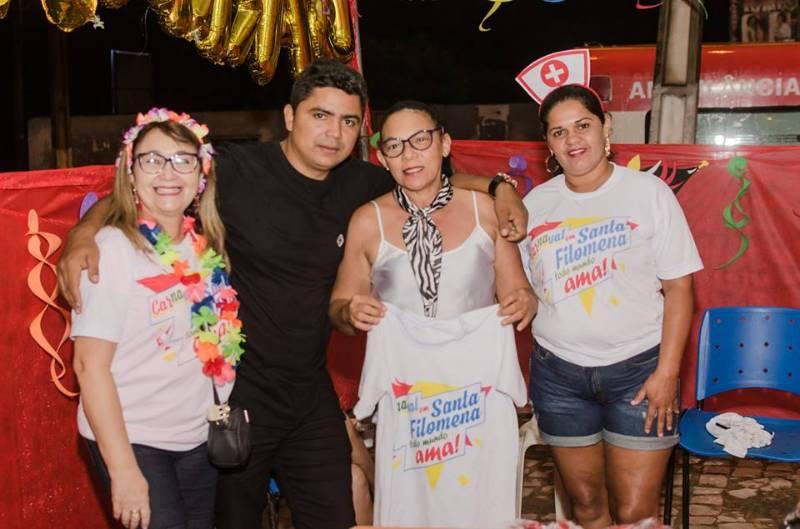 Santa Filomena e seu mega carnaval na beira do rio; fotos