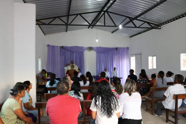 Missa e café da manhã dão início aos festejos da Santa Cruz em Currais