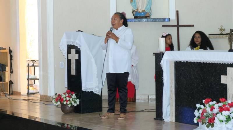 Missa celebra o Dia das Mães em Currais