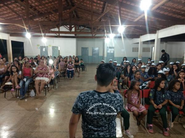 Morro Cabeça no Tempo: Pelotão Mirim homenageia mães e lembra o 18 de Maio