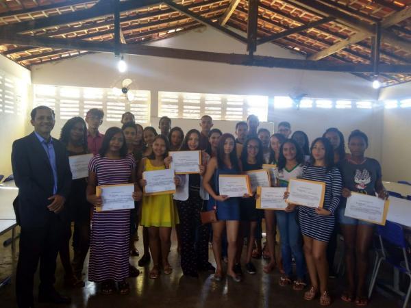 Igreja Batista Millenium oferta curso de oratória em escola de Bom Jesus