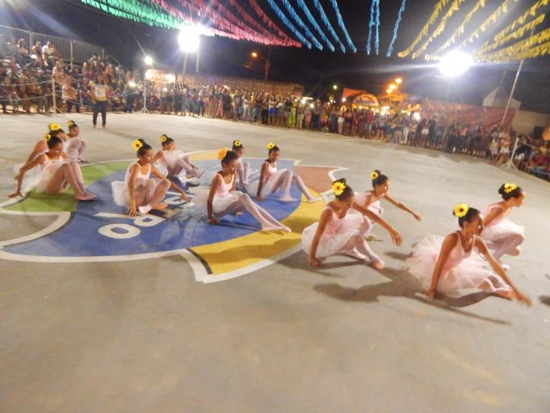 Arraiá das Águas: Fotos da 1ª noite na arena Sapolândia