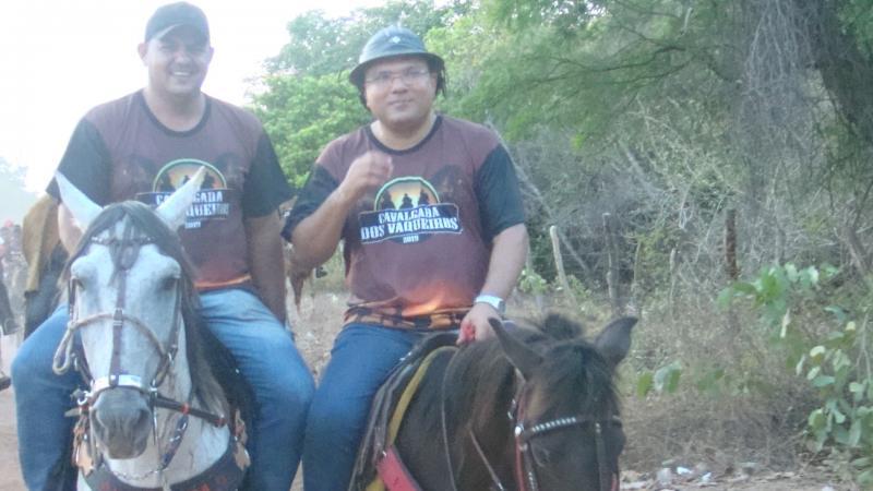 Prefeito Dr. Macaxeira participa da tradicional cavalgada da comunidade Barracão