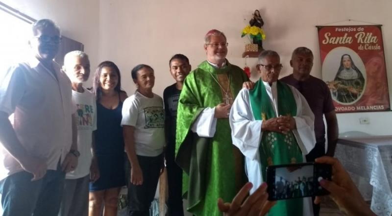 Bispo Dom Marcos visita povoado Melancias em Gilbués
