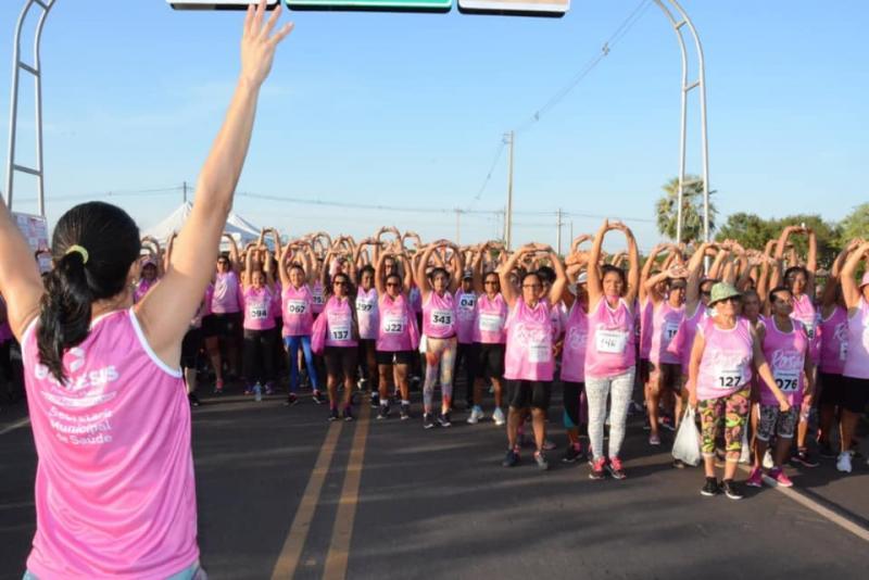Quase 400 mulheres participam da 'Corrida Rosa' em Bom Jesus