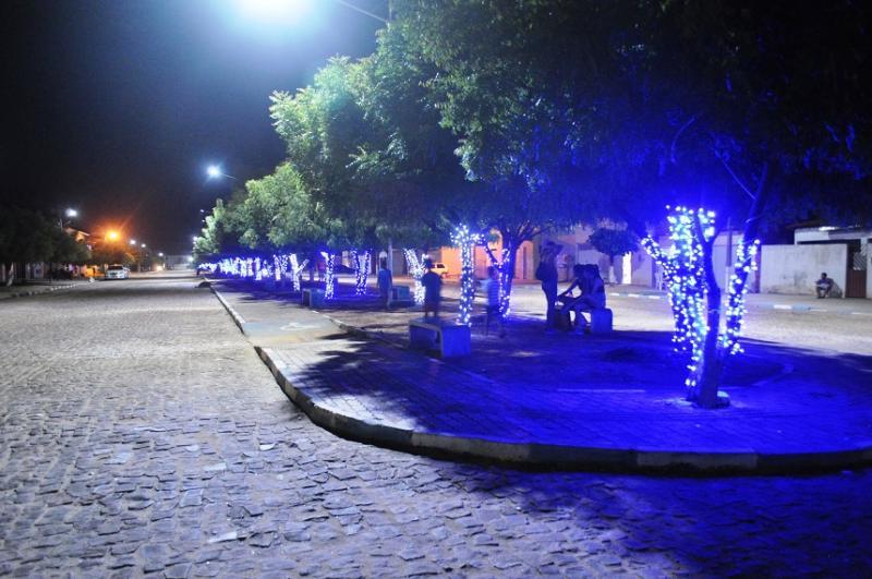 Show de iluminação natalina em Avelino Lopes