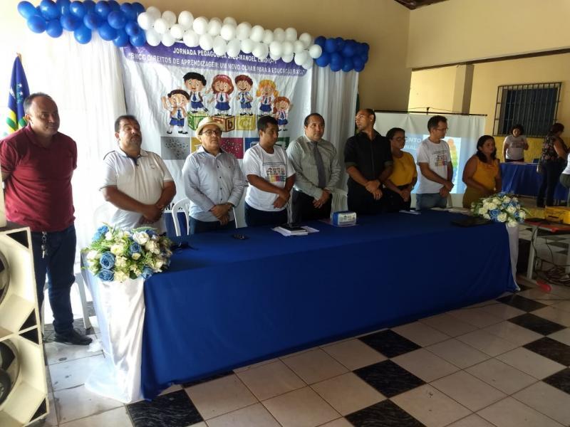 Jornada Pedagógica capacita professores em Manoel Emídio
