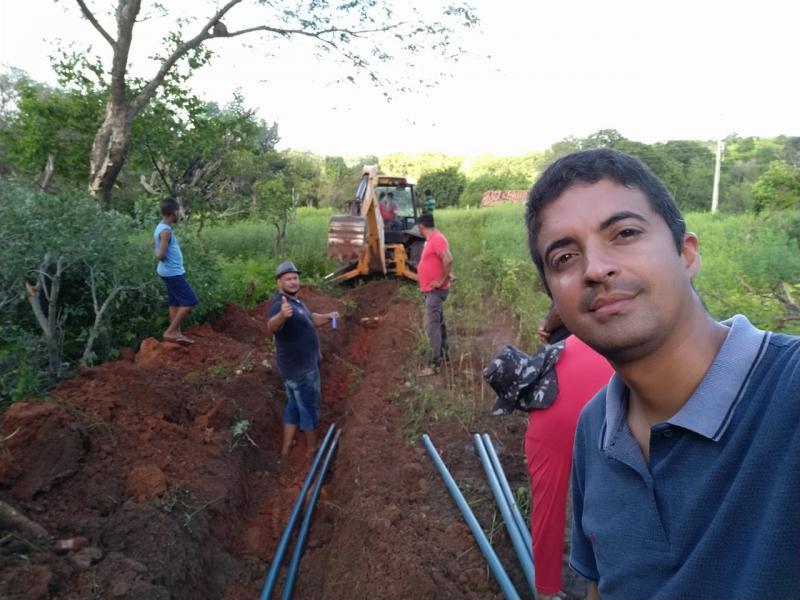 Júlio Borges: Prefeitura leva água encanada a comunidades rurais