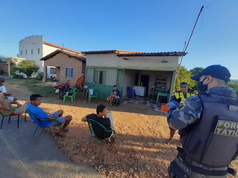 Operação Coronavírus: Força Tática orienta população em Júlio Borges