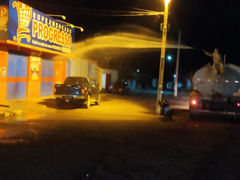 Prefeitura de Parnaguá higieniza ruas e prédios públicos