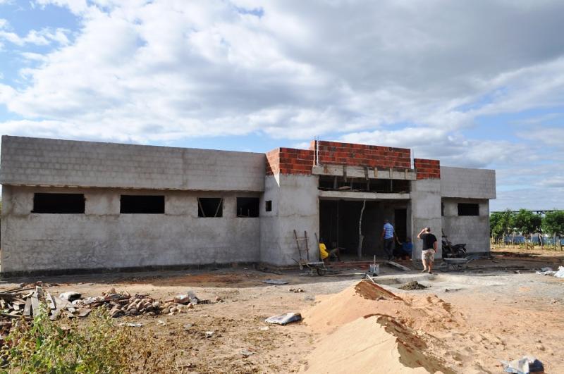Prefeitura de Avelino Lopes retoma várias obras