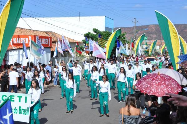'Pátria de Povo Mestiço', Desfile da Independência em Bom Jesus-PI