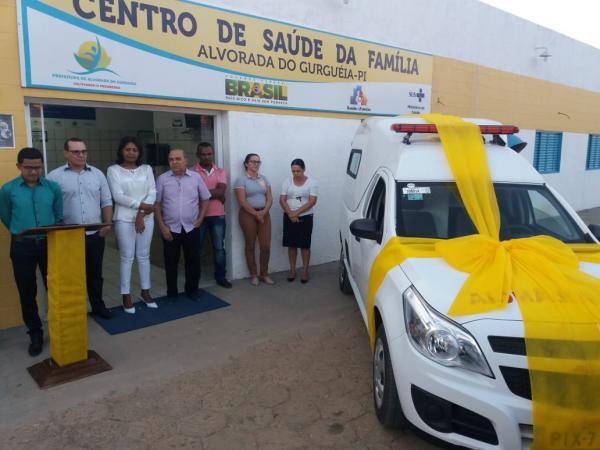 Prefeitura de Alvorada entrega nova AMBULÂNCIA para população