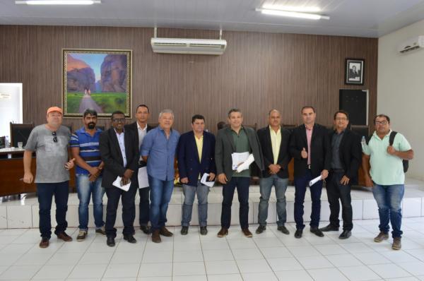 Câmara de Vereadores de Bom Jesus sabatina Secretário de Infraestrutura.
