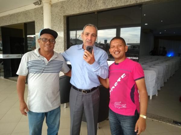 Veja em quem vota o ex-prefeito João Falcão
