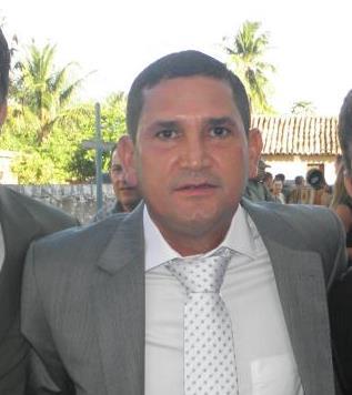 Veja em que vota o ex-prefeito Chiquinho de Gilbués