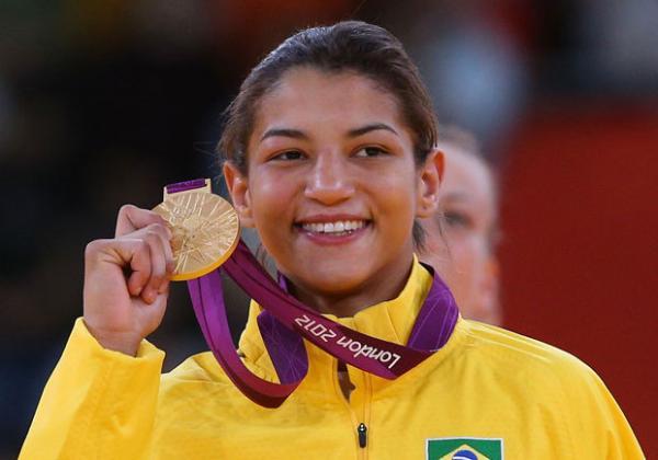 Sarah Menezes declara apoio à candidatura de Átila Lira.