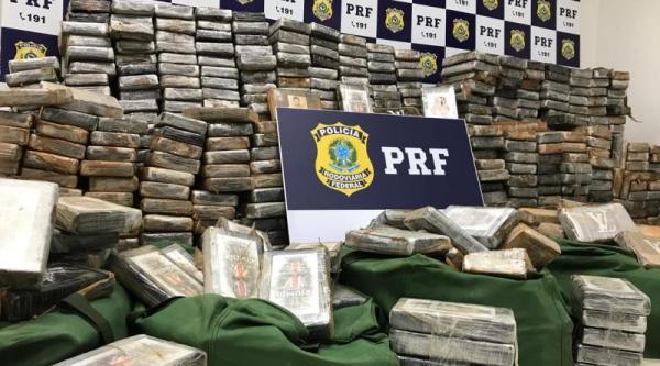 PRF faz uma das maiores apreensões de cocaína do país, em Alagoas