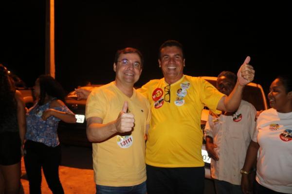 Raimundo Santos recebe Fábio Novo com uma multidão em Currais