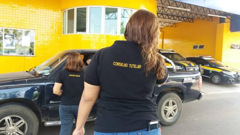 PRF, MPPI e Conselho Tutelar realizam campanha educativa em Floriano
