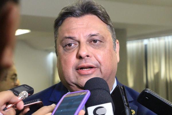 'Situação financeira do Piauí é preocupante', diz Júlio Arcoverde