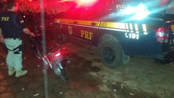 PRF recupera motocicleta com sinais de identificação adulterados em Bom Jesus