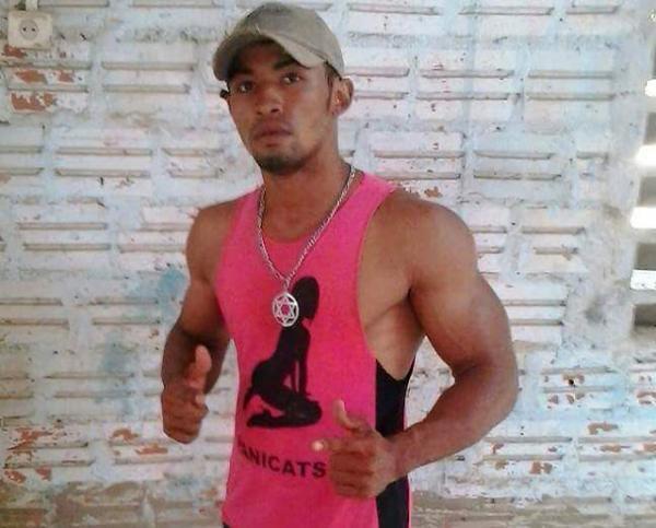 Jovem de Uruçuí morre após sofrer choque enquanto ouvia música