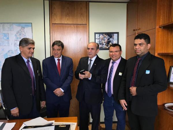 Em Brasília, Dr. Macaxeira tem audiência com autoridades do PI