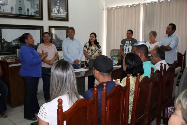 Novos secretários são empossados na prefeitura de Corrente