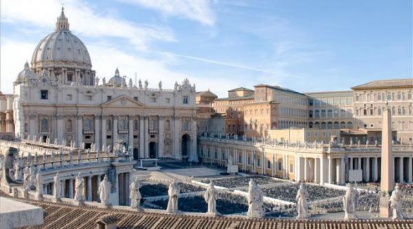 Vaticano condena padre a 5 anos por pornografia infantil