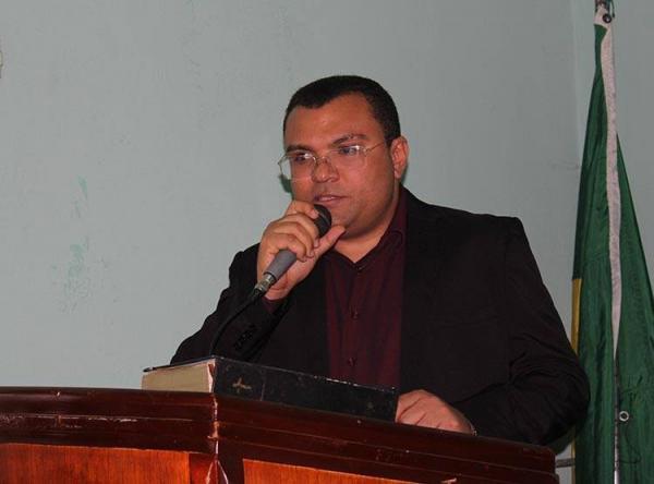 Prefeito de Redenção solicita apuração de atentado contra residência de vereador