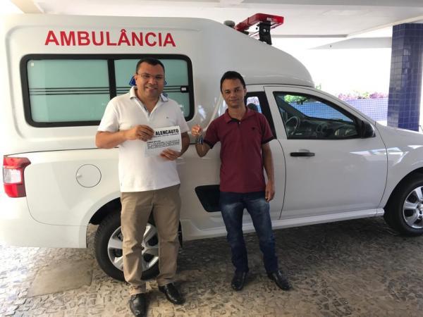Redenção comemora a conquista de mais uma ambulância
