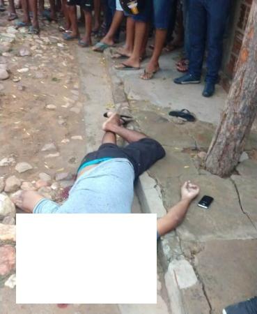 Avelino Lopes: Homem é assassinado no meio da rua com três tiros