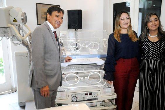Governo entrega equipamentos para 16 hospitais incluindo Bom Jesus