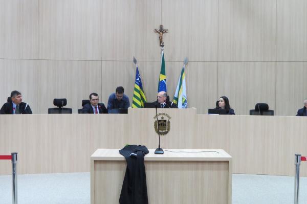 TCE bloqueia contas do executivo e do legislativo de Sebastião Barros