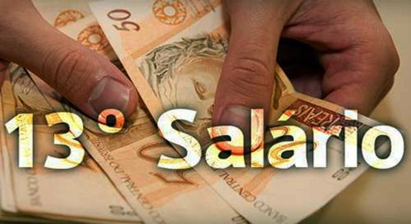 Dr. Macaxeira garante pagamento do 13º salário até sexta-feira (14)