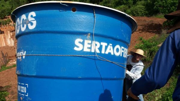 Prefeitura de SANTA LUZ está fazendo a substituição de Caixas d'água
