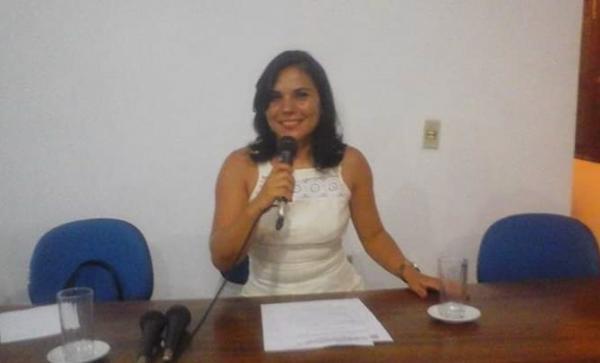 Suelane é eleita presidente da Câmara de Riacho Frio