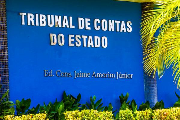 TCE revoga multa contra o prefeito João da Cruz