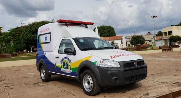 Saúde de Barreiras do Pi ganha nova ambulância