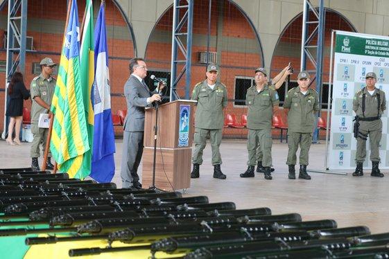 PM-PI recebe fuzis e coletes balísticos