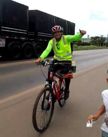 Ciclista pedala mais de 1 mil km até chegar em Bom Jesus