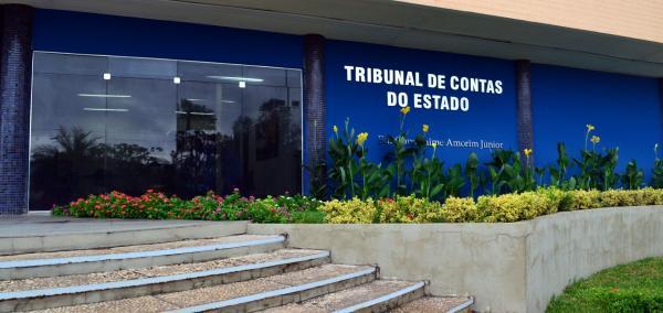 TCE-PI julga contas irregulares do ex-prefeito Valmir Falcão