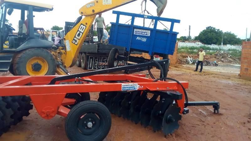 Prefeitura de Redenção do Gurguéia recebe equipamentos agrícolas