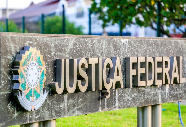 Ex-prefeito Joaquim Aristeu é condenado ao pagamento de R$ 20 mil