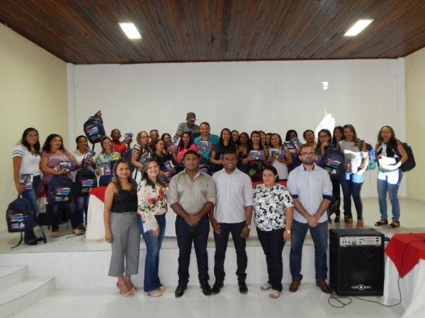 Cristino Castro: Agentes Comunitários de Saúde recebem tablets