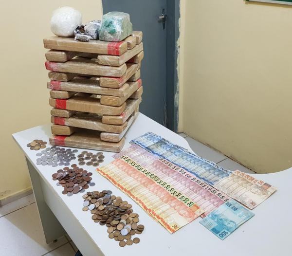 Canto do Buriti: Três pessoas são presas por tráfico de drogas