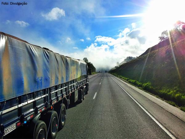 Câmara apoia proposta de transporte de calcário em caminhões elonados