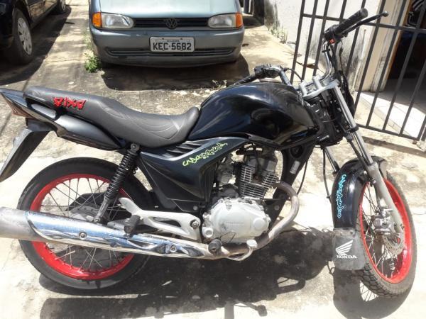 Policia Militar recupera moto roubada em Curimatá