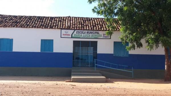 Prefeitura de Redenção reforma escola da zona rural com recursos próprios
